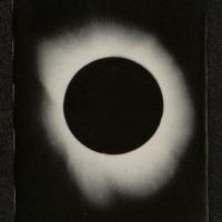 Éclipse totale de soleil : la couronne solaire